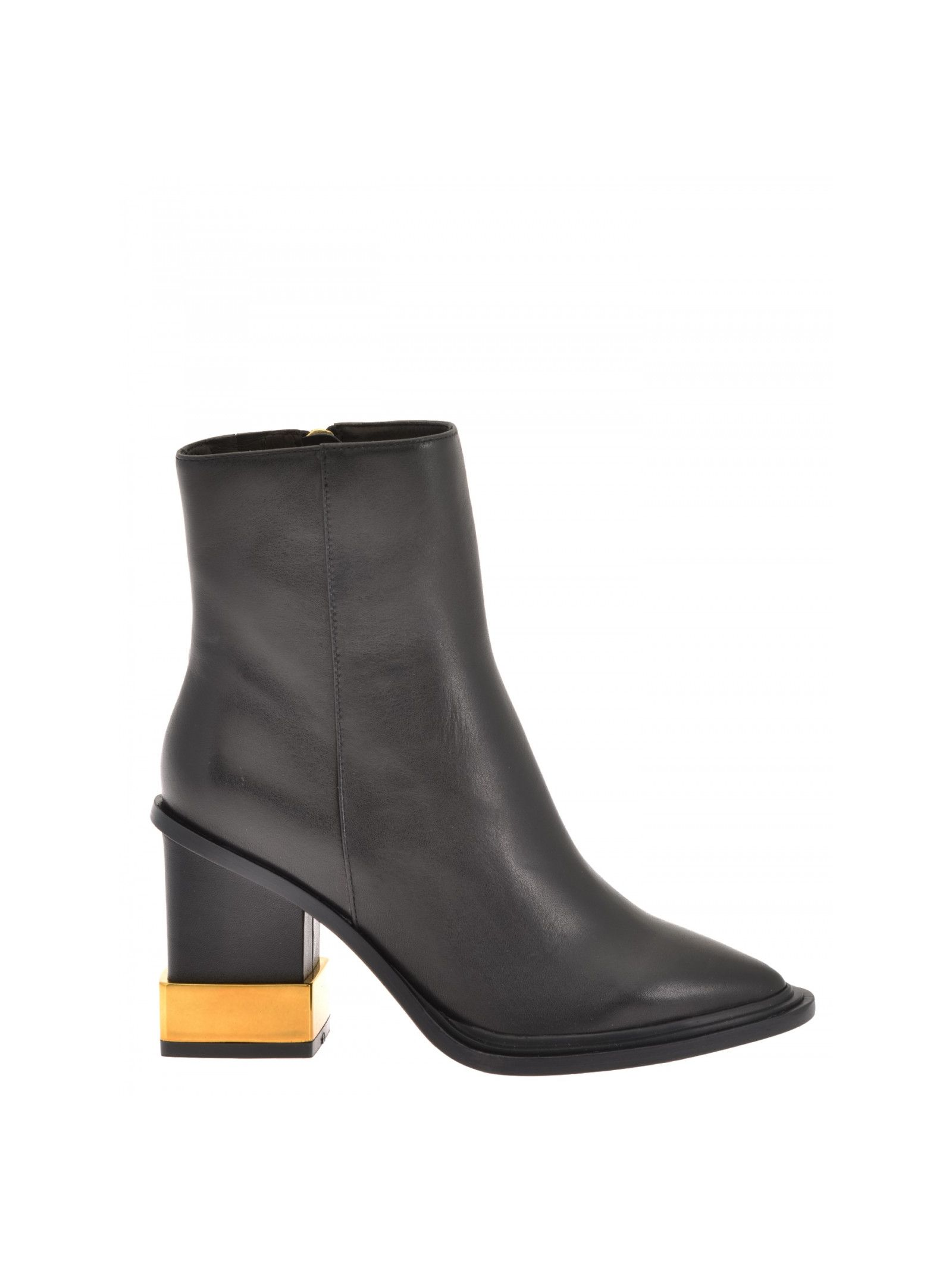 Smooth leather boots Hill: 8. 5 cm Sole: Leather Details: Smooth leather boots, Calf-height, Pointed toe, Side zip in gold-tone metal with charm, Block heels with gold-tone metal detailing, Leather lining